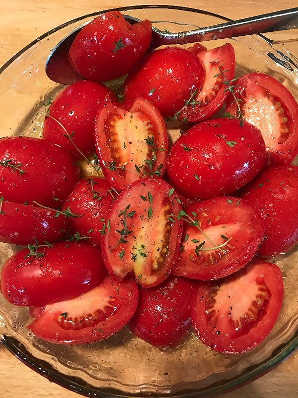 Tomatoes ready to be roasted | SavorwithJennifer.com