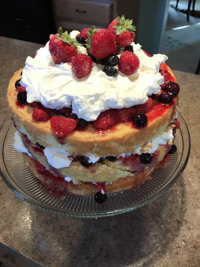 Buttermilk Butter Cake with Berry Compote | savorwithjennifer.com